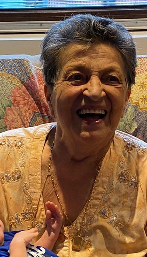Lina Paris