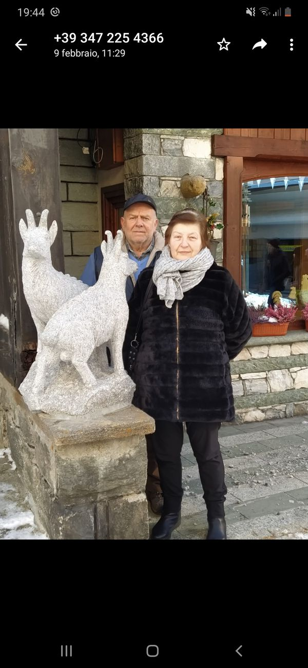 Presenti Elisabetta e Grigis Giovanni